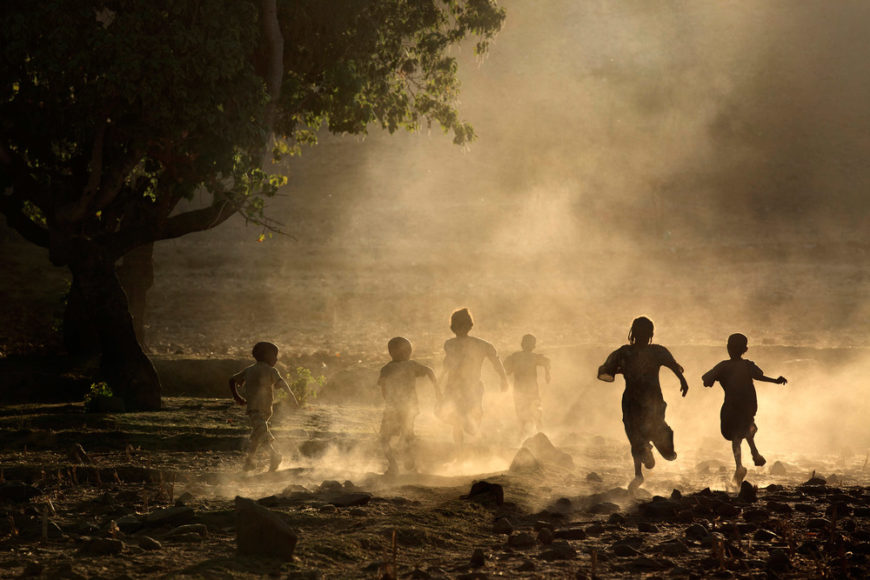 Children-playing-in-the-Tigray-countryside