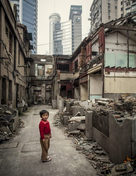 Shanghai - 2006 - Nanshi discrict: the oldest and geographic center of Shanghai is being demolished to leave room for residential apartments or business skyscrapers.Chinese authorities are relocating thousands of families in new buildings, often far from